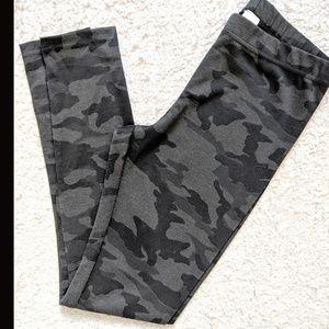 4/20$ Twik Camo leggings